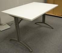 Kinnarps skrivebord / kantinebord i hvitt, 120x80cm, brukt understell med ny plate