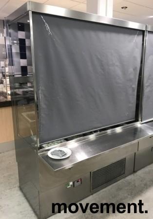 Lekkert bruskjøleskap / Serveringskjøl fra AKE for kantine / kiosk i rustfritt stål, 145cm bredde, 200,5cm høyde, pent brukt bilde 3