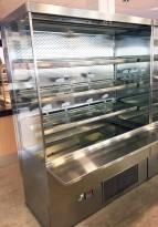 Lekkert bruskjøleskap / Serveringskjøl fra AKE for kantine / kiosk i rustfritt stål, 145cm bredde, 200,5cm høyde, pent brukt