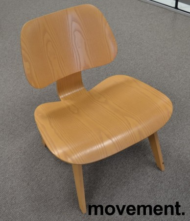 Vitra Plywood Lounge Chair LCW i formspent finer, ask, design: Charles & Ray Eames, pent brukt bilde 2