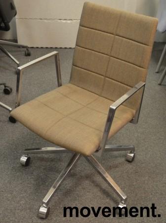 Lekker konferansestol  på hjul i gråbrunt stoff / polert aluminium, Lammhults Archal, pent brukt bilde 1