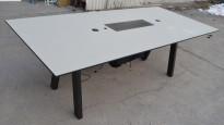 Horreds VX møtebord / konferansebord i gråbeige laminat med sort kant, ben i sort eik, 225x100cm, passer 6-8 personer, pent brukt