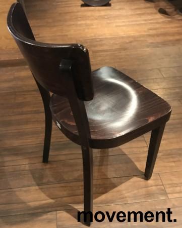 Solid kafèstol / restaurantstol fra Satelliet i brunbeiset treverk, pent brukt bilde 3
