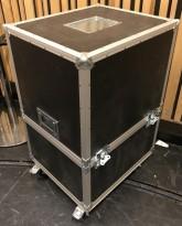 Flightcase / transportkasse på hjul, øvre del kan tas av, 63x54x90cm, pent brukt