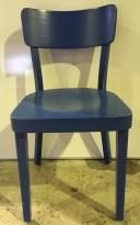 Solid kaféstol / restaurantstol fra Satelliet i blåmalt treverk, modell 350SC, brukt