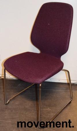 Kinnarps Monroe konferansestol i lilla ullfilt / vanger i krom, pent brukt bilde 1