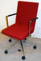 Konferansestol fra EFG, modell WOODS i rødt stoff / krom understell på hjul, pent brukt