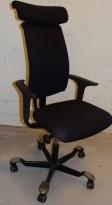 Håg H05 5500 kontorstol i sort med nakkepute, sort kryss, armlener, pent brukt