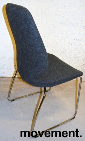 Kinnarps Monroe konferansestol i grå ullfilt / vanger i krom, pent brukt bilde 2