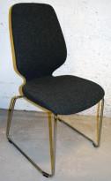 Kinnarps Monroe konferansestol i grå ullfilt / vanger i krom, pent brukt