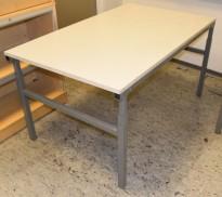 Solid arbeidsbord / arbeidsbenk fra Treston, 150x90cm bordplate, metall understell, justerbar høyde, bruksslitasje plate