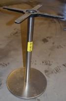 Søyle / søylefot i satinert stål for rundt bordplate eller møtebord, Ø=40 base, H=70,5, pent brukt