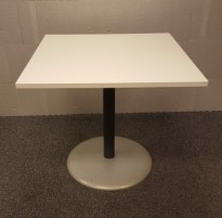 Kafebord med kvadratisk, hvit bordplate, 80x80cm, H=72,5cm, pent brukt