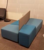 Loungemøbel / modulsofa i turkis fra Martela, Modell: Diagonal Play, totalmål: 200x110cm, pent brukt