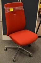 Kontorstol: Savo XO i rødt stoff, kryss i krom med rød ring, pent brukt