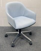 Vitra Softshell konferansestol på hjul i lyst blått / polert aluminium, pent brukt