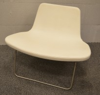 Ray Lounge Chair by Hay, design Jakob Wagner, i hvitt skinn, pent brukt