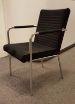 Lekker besøksstol / konferansestol fra Offecct, modell Quick i sort mikrofiber / krom, pent brukt