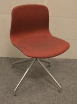 Hay About a chair AAC10 konferansestol i rødt remix-stoff / ben i polert aluminium, pent brukt
