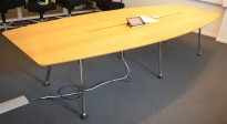 Møtebord fra Skandiform i eikefiner, 330x120cm, passer 10-12 personer, pent brukt