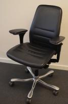 Kontorstol / konferansestol: Kinnarps 5000-serie i sort skinn, gel-armlener, polert aluminium kryss, pent brukt