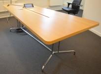 Møtebord i eikefiner fra Skandiform, 230x120cm, for 6-8 personer, kabelluke, pent brukt
