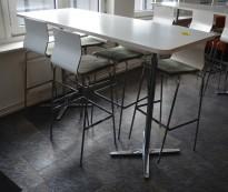 Barbord i hvitt / krom fra Materia, 180x70cm, høyde 109cm, pent brukt