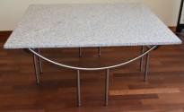 Loungebord i lys marmor / satinert stål, 100x100cm bordplate, 46cm høyde, pent brukt