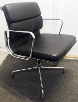 Vitra - Eames Alu Group EA208 softpad konferansestol / besøksstol i sort skinn / krom, pent brukte