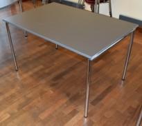 Kompakt møtebord / kantinebord FourDesign i grått / krom, sammenleggbart, 120x80cm, pent brukt