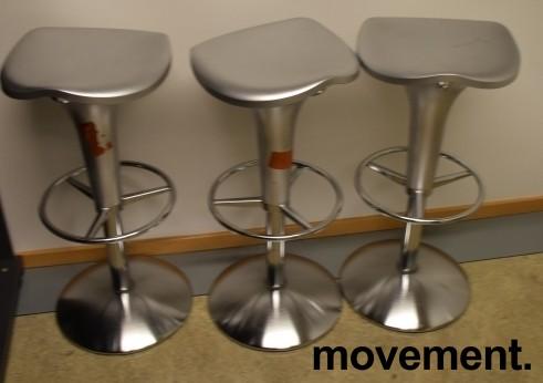 Barstol fra Rexite i sølvgrå farge, justerbar sittehøyde 52-78cm, pent brukt bilde 2