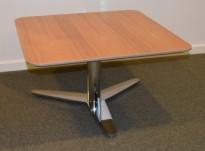 Lite, lavt loungebord fra Duba-B8 i valnøtt / krom, Luna serie, 70x70cm, 39cm høyde, pent brukt