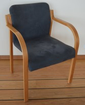 Stablestol / karmstol / konferansestol i flammebjerk / grå mikrofiber, pent brukt