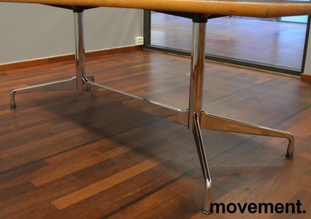 Møtebord i flammebjerk, Vitra Eames Segmented Table, 200x100cm, 6-8personer, pent brukt bilde 3