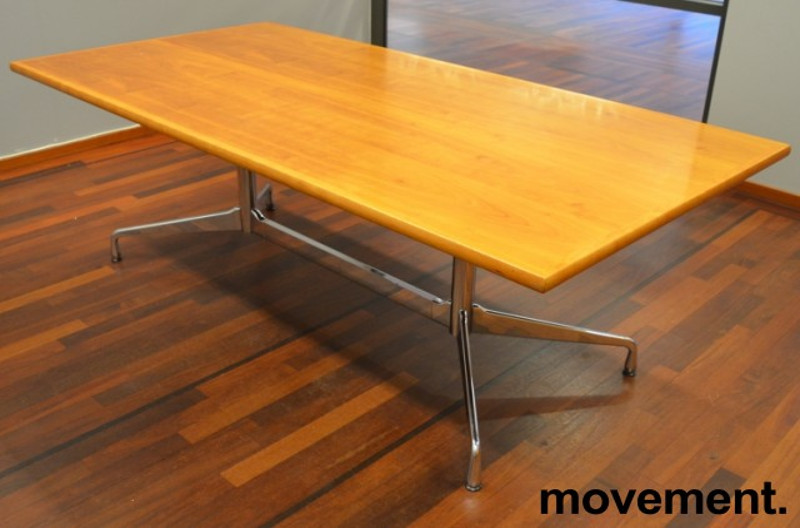 Møtebord i flammebjerk, Vitra Eames Segmented Table, 200x100cm, 6-8personer, pent brukt bilde 2