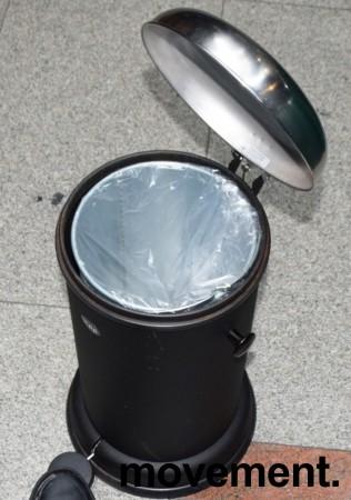 Vipp pedalbøtte i sort, høyde 51cm, Ø=30cm på basen, pent brukt bilde 3