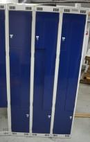 Garderobeskap i stål med Z-dører i lys grå / blå dører, 6 rom. 90cm bredde, 55cm dybde, 176cm høyde, pent brukt