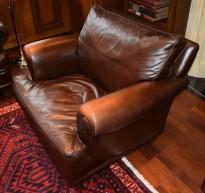 Loungestol 1seter fra LK Hjelle i brunt skinn, klassisk stil, pent brukt