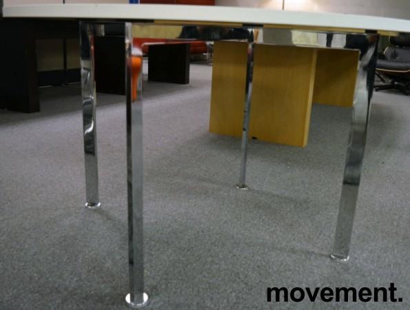 Rundt møtebord Ø=120cm, H=72, hvit plate (ny / ubrukt), krom understell, pent brukt bilde 2