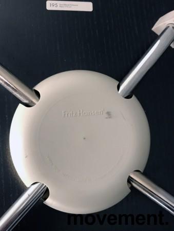 Arne Jacobsen 7er-stol / syver-stol, model 3107, i 195 Sort, understell i krom, pent brukt bilde 5