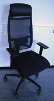 Sitland Team Strike Executive kontorstol, høy rygg og nakkepute, armlene, sort / mesh, pent brukt