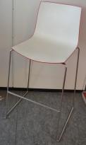 Barkrakk: Arper Catifa 46 i hvitt/rødt/krom, 76cm sittehøyde, pent brukt