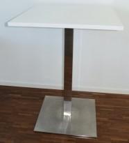 Ståbord, kvadratisk bordplate i hvitt 80x80cm, krom søylefot, H=109cm, pent brukt