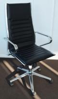 Konferansestol på hjul i sort / krom fra Sitland, Ice-serie, høy rygg og armlener, pent brukt