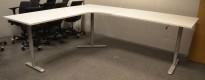 Hjørneløsning elektrisk hevsenk fra Linak i hvit / grått understell, 220x260cm, venstreløsning, NY PLATE / pent brukt