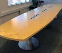 Møtebord / konferansebord i bjerk fra ForaForm 460x120cm, passer 14-16 personer, brukt