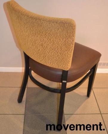 Solid kaféstol / restaurantstol fra Ton med sete i brun skinnimitasjon og rygg i gult stoff, pent brukt bilde 2