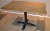 Kafebord med bordplate i eik finer, 120x70cm bordplate, 77cm høyde, pent brukt