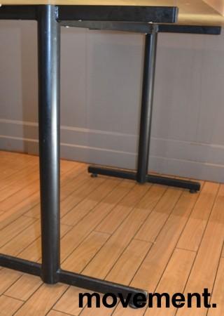 Kafebord med bordplate i eik finer, 120x70cm bordplate, 75cm høyde, pent brukt bilde 3