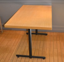 Kafebord med bordplate i eik finer, 120x70cm bordplate, 75cm høyde, pent brukt